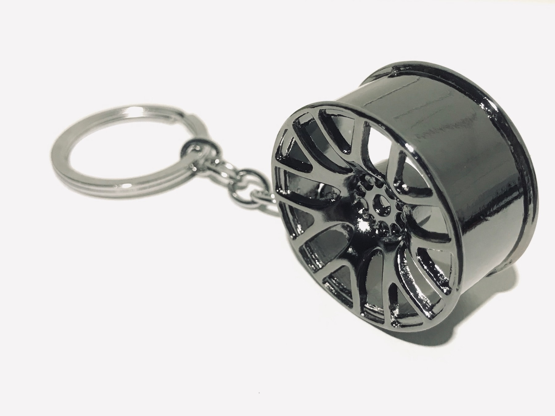 Car Alloy Wheel Grey Silver Anthracite Keyring Cool Key Fob Realistic Look & Feel Gift Birthday Xmas