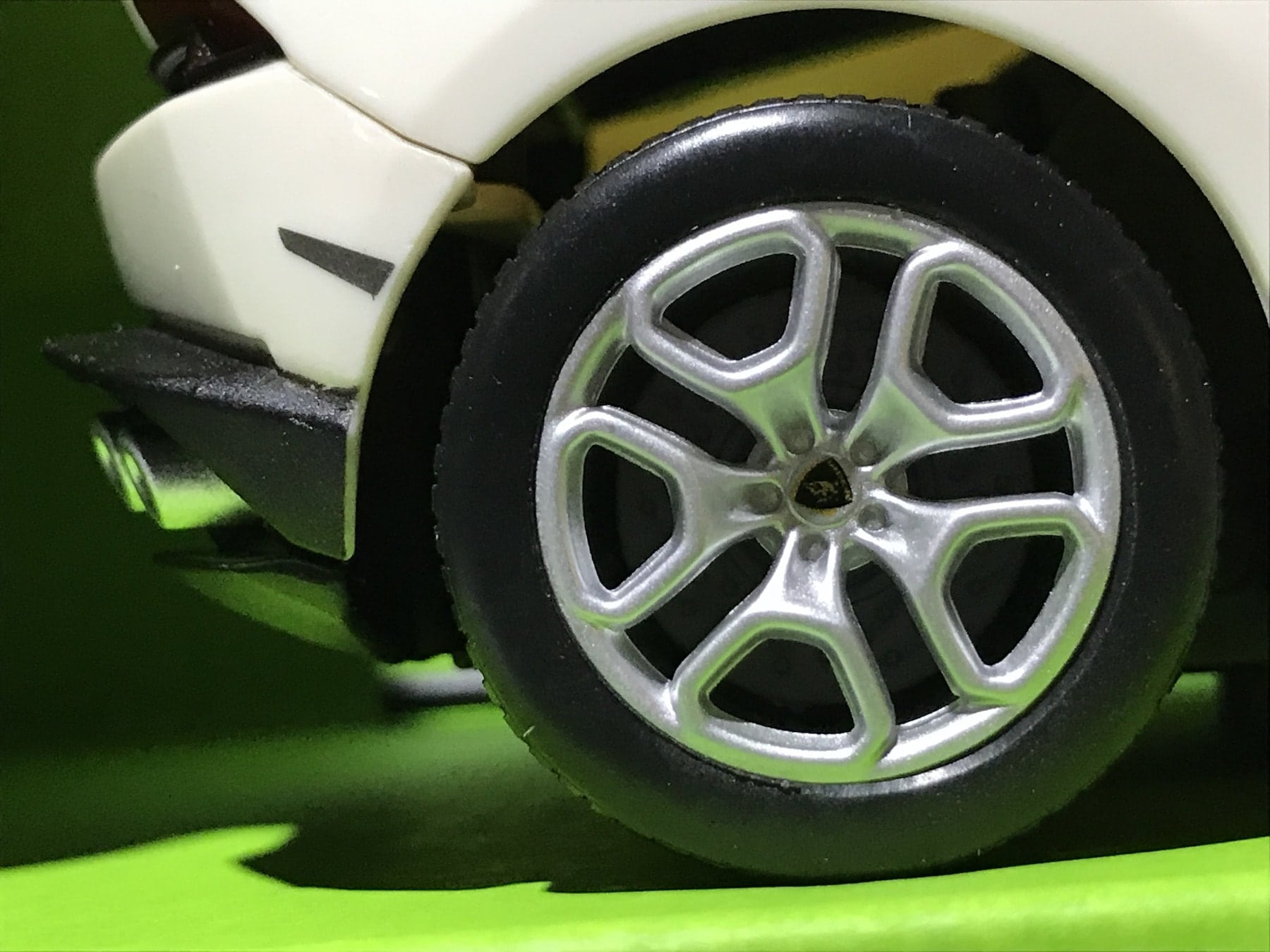 Lamborghini Huracan 1:24 RC Radio Controlled Scale Model Car Big Boys Toy Christmas Gift Xmas Birthday Present