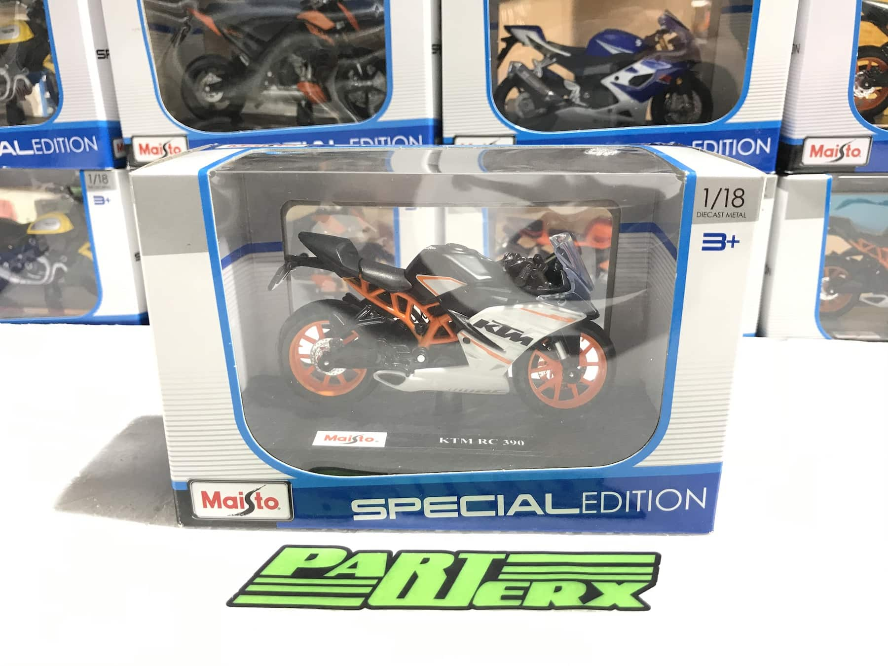 KTM RC 390 1:18 Motorbike Scale Model Motorcycle Toy Dads Fathers Kids Gift Birthday Present